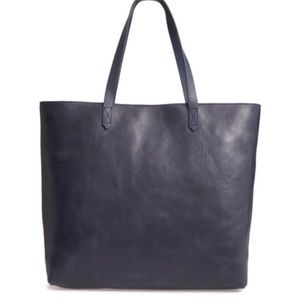 Madewell Transport Tote navy like new ~ leather